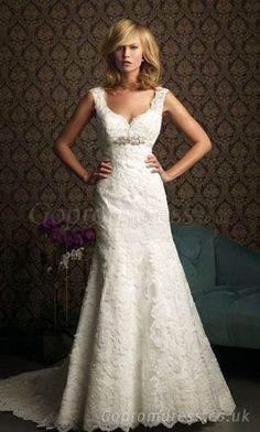 a-line wedding dress so pretty! Starting to like lace!