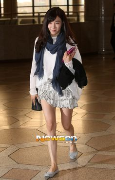 SNSD Spain Style ~ Love the Combination in this outfit. How to be perfect and casual thank to Tiffany ~