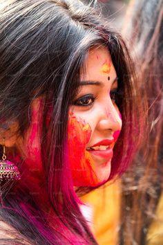 Photography Poses Women, Girl Photography, Beautiful Girl Indian, Beautiful Indian Actress, Holi Festival Of Colours, Holi Colors, Beauty Full Girl, Beauty Women, Holi Girls