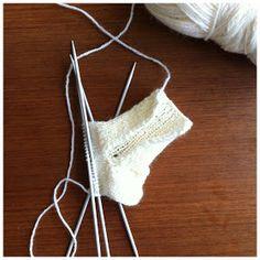 Rock And Roll, Crochet Bikini, Bikinis, Swimwear, Sewing, Facebook, Fashion, Socks, Tricot