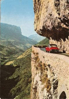 Are you ready to go on a sunny #adventure? #Citroën #DS