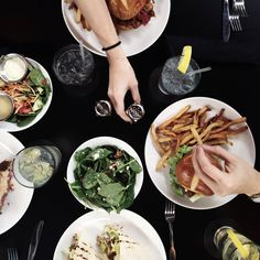 NEW on the blog, we are sharing OUR tips/tricks for eating out while flexible dieting/counting macros. You CAN still dine out, enjoy it, and reach your goals!