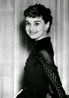 vintage everyday: Beautiful Fashions of Audrey Hepburn in the 1950s