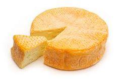 Le Munster fermier est un fromage au lait de vache à pâte molle et à croûte lavée : au cours de sa fermentation le fromage est régulièrement mouillé à l'eau tiède avant d'être retourné. Ce fromage est délicieux sur une tranche de pain, saupoudré ou non de graines de cumin, mais une fois fondu il accompagne aussi très bien un plat de pommes de terre et une salade.