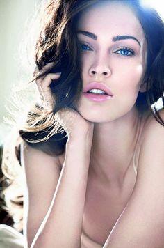 Megan Fox Makeup Looks 2012 Megan Fox is very famous celebrity. Megan Fox have very great personilty. Megan Fox looks are very u. Giorgio Armani Beauty, Armani Makeup, Beauty Ad, Hair Beauty, Beauty Shoot, Brunette Beauty, Blonde Brunette, Beauty Style, True Beauty