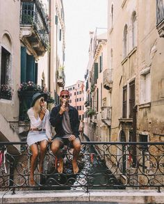 Couple goals | Vacation | Summer | Ice cream | More on Fashionchick.nl