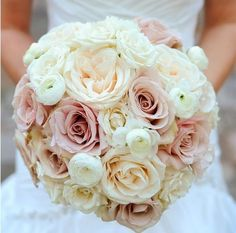 blush champagne and ivory wedding bouquet