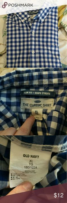 Old Navy slim fit shirt Old Navy slim fit shirt. Blue and white. Size XL. Gently worn. Smoke free home! Old Navy Shirts Casual Button Down Shirts