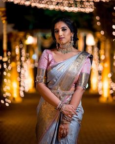 59 Ideas for bridal saree designer saris Bridal Sarees South Indian, Wedding Silk Saree, Indian Bridal Fashion, Indian Wedding Outfits, South Indian Bride, Designer Sarees Wedding, Kerala Bride, Hindu Bride, Designer Silk Sarees