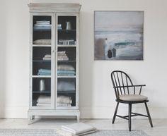 Flummery storage cabinet