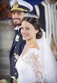 Prince Carl Philip and his new wife Princess Sofia Prince Carl Philip, Princess Sofia Of Sweden, Royal Princess, Famous Wedding Dresses, Royal Monarchy, Swedish Royalty, English Royalty, Princesa Real, Estilo Real
