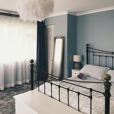 Now a lovely place to sit and read ☁️📖💙 Gray Bedroom, Bedroom Decor, Farrow And Ball Bedroom, Blue Rooms, Farrow Ball, Blue Grey, Deep Blue, Interior Styling, Interiors