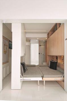 Puede que no lo parezca, pero en este espacio caben habitación doble, sala de estar ...