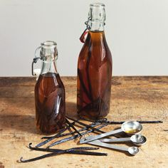 Vanilla extract is one of those things that seems mysterious and magical, but is actually ridiculously simple to make at home.