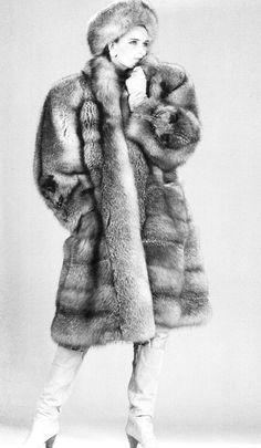 a2ffca9f020 fox fur coat   hat White Fur