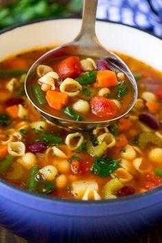 Vegetable Crockpot Recipes, Vegetable Soup Crock Pot, Summer Soup Recipes, Vegetable Soup Recipes, Healthy Soup Recipes, Healthy Vegtable Soup, Summer Chili Recipe, Veggie Food, Recipe Minestrone
