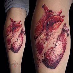 40 Broken Heart Tattoo Designs For Men - Split Ink Ideas Tattoo Henna, Tattoo Trend, Calf Tattoo, Tattoo Ink, Trendy Tattoos, Small Tattoos, Tattoos For Women, Leg Tattoos, Body Art Tattoos