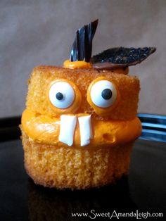 Jack-O-Lantern cupcakes. #pumpkincupcakes