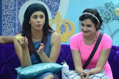 'Bigg Boss 9' Day 19: Mandana confronts Keith and Rochelle - http://www.dnaodisha.com/entertainment/bigg-boss-9-day-19-mandana-confronts-keith-and-rochelle/6810