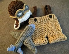 Ideas crochet baby boy suspenders newborns for 2019 Crochet Baby Clothes Boy, Crochet Baby Pants, Crochet For Boys, Newborn Crochet, Crochet Baby Booties, Crochet Beanie, Crochet Slippers, Crochet Hats, Boy Crochet