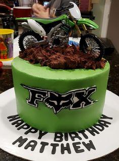 Motorcycle Birthday Cakes, Dirt Bike Birthday, Motorcycle Cake, Cute Cakes, Yummy Cakes, Bolo Motocross, Dirt Bike Cakes, Chocolate Soil, Bike Birthday Parties