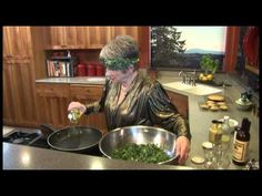 #AndersonEatsKale SHEs in the Kitchen: Kale Caeser!
