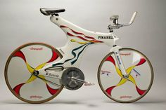 Indurain's time trial bike by Pinarello Velo Design, Bicycle Design, Cool Bicycles, Vintage Bicycles, Road Bikes, Cycling Bikes, Trial Bike, Bicycle Workout, Motorized Bicycle