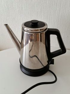 Saras eviga: 2. KEMIKALIEBANTA KÖKET Kettle, Kitchen Appliances, Diy Kitchen Appliances, Tea Pot, Home Appliances