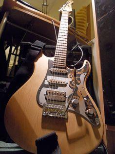 36 best guitar images guitars guitar cool guitar rh pinterest com