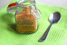 Wil je weten hoe je zelf een kruidenmix voor gehakt maakt? Lees dan snel verder! Je hebt er wel een aantal kruiden en specerijen voor nodig.