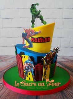 Avengers Topsy turvy cake