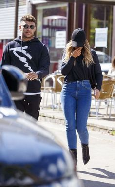 Little Mix stunner Perrie Edwards steps out with hunky boyfriend Alex Oxlade-Chamberlain - for a greasy fry-up - Mirror Online