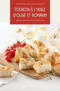 L'odeur d'un focaccia maison qui cuit lentement au four: miam! Olives, Pain, Feta, Camembert Cheese, Yummy Recipes, Olive Oil, Food