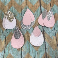 Jewellery Components Brands -- Diy Leather Earrings Cricut every Jewellery Box Necklace around Diy Jewelry Holder Ideas Diy Leather Earrings, Diy Earrings, Leather Jewelry, Leather Craft, Earrings Handmade, Silver Earrings, Handmade Jewellery, Handmade Leather, Handcrafted Jewelry