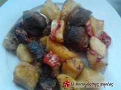 Χοιρινό με πατάτες στο φούρνο με γλυκιά πιπεριά, δενδρολίβανο και μέλι.