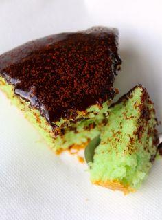 Ah le mariage chocolat-menthe, on adore… Et cette semaine, Lucie nous a fait fondre avec son gâteau à la menthe fraîche. Il a l'air absolument délicieux et d'un moelleux incomparable. Miam… Découvrez également son très joli blog surhttp://littlemissparsley.com  … Suite