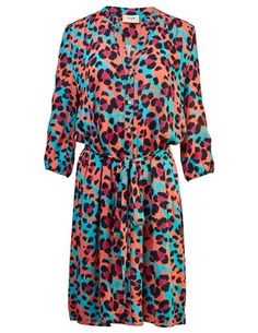 Pyrus Marina shirt dress - litmus animal - The Marina is the perfect shirt dress from Pyrus with a large animal print in black and fuchsia pink, on a base of coral and bright blue. It's a collarless dr. Clothes For Sale, Dresses For Sale, Dress Outfits, Fashion Dresses, Marina Dress, Blouses Uk, Pyrus, London College Of Fashion, Blouse Dress