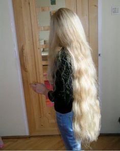 Long Blond, Long Wavy Hair, Big Hair, Really Long Hair, Super Long Hair, Beautiful Long Hair, Gorgeous Hair, Rapunzel Hair, Hair Photo