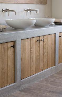 Op maat gemaakt badkamermeubel met eiken deuren. #badkamerkast #eik Double Vanity, Sweet Home, Interior Design, State, Bathroom, Blog, Corner Bookshelves, Bath, Nest Design