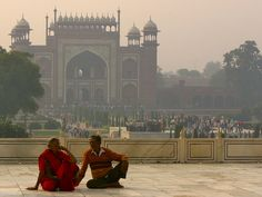 MIRANDO TAJ MAHAL Agra, Taj Mahal, Building, Travel, Viajes, Buildings, Destinations, Traveling, Trips