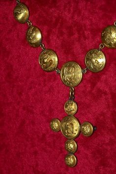 War era necklace made from uniform buttons of notable Confederate generals; Museum of the Confederacy.