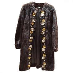 FUR COAT MIU MIU (13,815 MXN) ❤ liked on Polyvore featuring outerwear, coats, brown fur coat, fur coat, brown coat, miu miu and miu miu coat