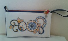 Pochette glazik (recto) Guillemette 2016 Motifs, Brittany, Hand Embroidery, Stitches, Mandala, Coin Purse, Images, Creations, Purses