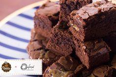 aprenda a fazer esse maravilhoso brownie com caramelo na nossa coluna no Blog da Oxford Porcelanas