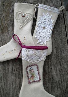 Moski: Stockings made from wool fabric - julestrømper laget av ull Christmas Craft Projects, Wool Fabric, Crafts To Make, Christmas Stockings, Holiday Decor, Needlepoint Christmas Stockings, Stockings