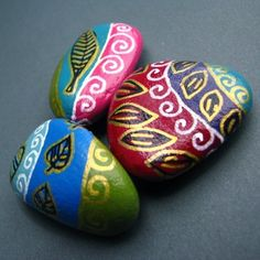 """MANY ways to paint rocks ...using many colors, single colors, & even melting crayons on warm rocks while drawing ...geometric patterns (simple to complex) + images (simple to more realistic) . . .plus a few rub-on transfers + 1 glass """"mosaic"""" onlay . . . also see my board """"Doodles, Zentangles, etc"""""""