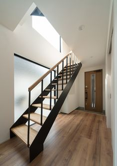 External Staircase, Room Interior, Townhouse, Home Furniture, Stairs, Home Decor, Homes, Stairway, Decoration Home