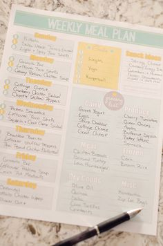This free printable weekly meal planner organizes your easy menu & grocery list. Take the guess work out of preparing weeknight dinners and grocery shopping