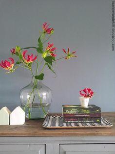 home decor diys Happy Flowers, Simple Flowers, Fresh Flowers, Beautiful Flowers, Bright Flowers, Arrangements Ikebana, Table Arrangements, Floral Arrangements, Interior Exterior