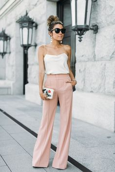 3 easy tricks fashion bloggers likeChristine Andrew from Hello Fashion use to put together cute 2017 summer outfits daily, how to layer, pick a color palette, the 3rd piece, how to accessorize and how to pick wardrobe accent colors, beaded clutch, bumble bee, butterfly, wide leg pants, silk cami
